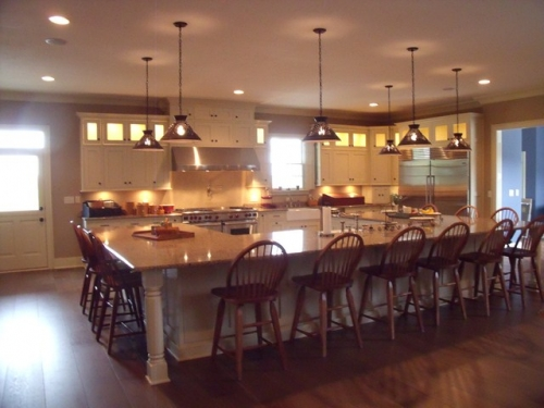 Country Style Kitchen with Huge IslandHuge Kitchen Islands